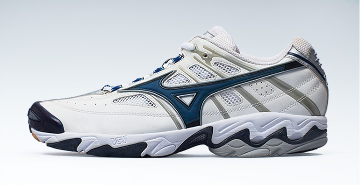 2003 Launch Of Mizuno S First Volleyball Shoes Wave Lightning