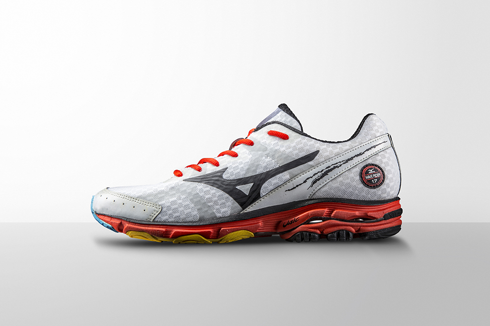 The Wave Rider 17 s lightweight U4ic midsole shaved off grams for race  days 07c4bd0e1c13b