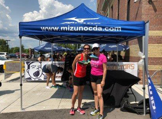Mizuno Canada donated footwear sold out profits to support employing people with developmental disabilities